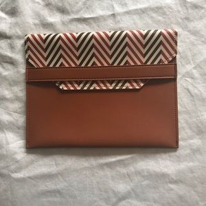 Handbags - Vintage style flap clutch like new condition
